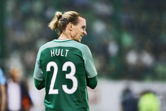Νίκλας Χουλτ: «Ελπίζω να συνεχίσω στην ομάδα»